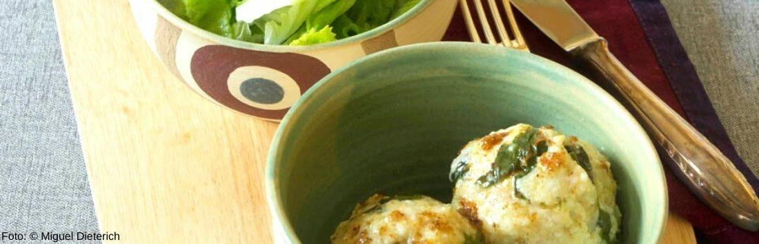 Bärlauchknödel mit Salat