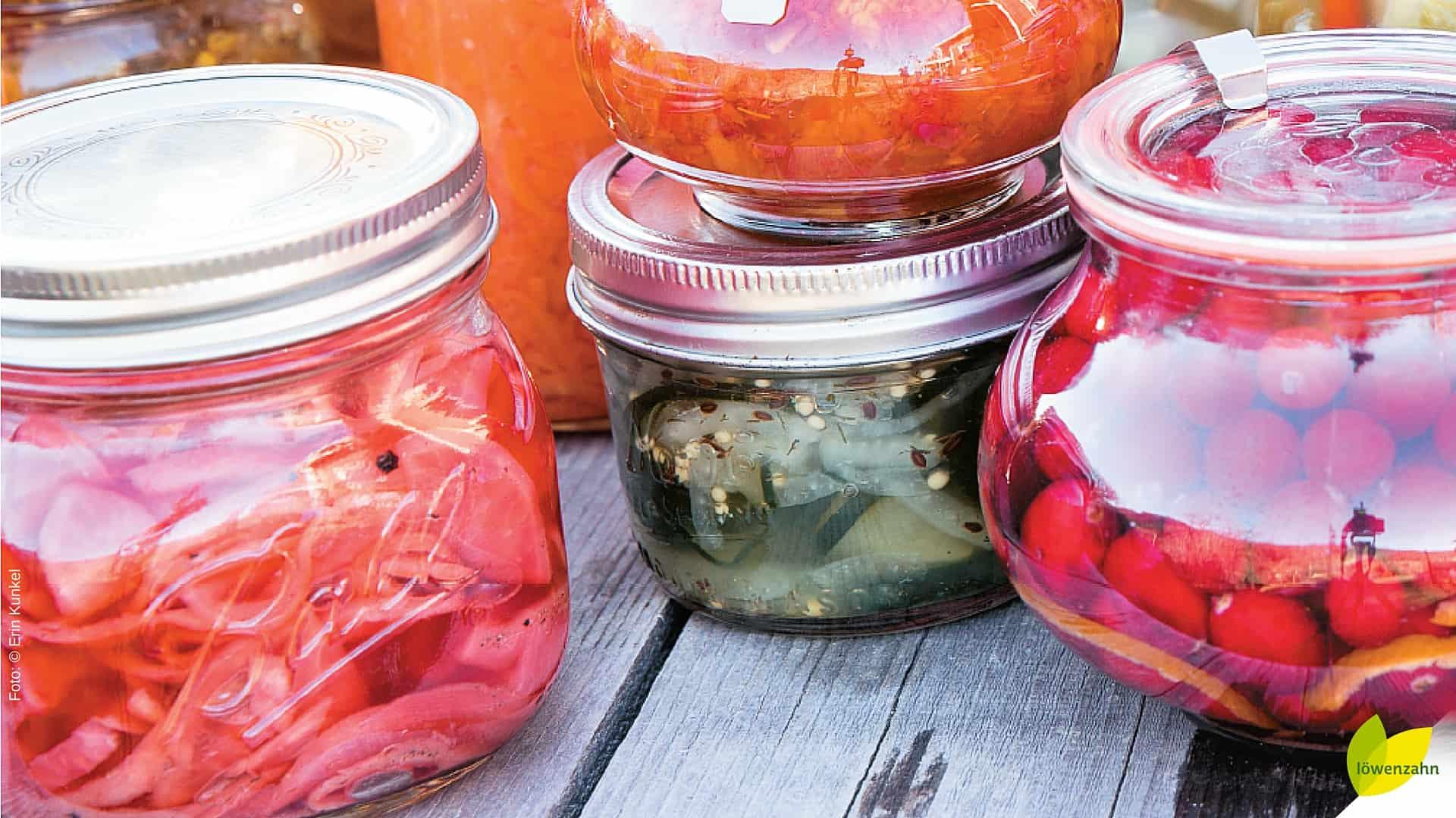 Fermentiertes Gemüse: Pickles, Sauerkraut und Co. ganz einfach selber machen