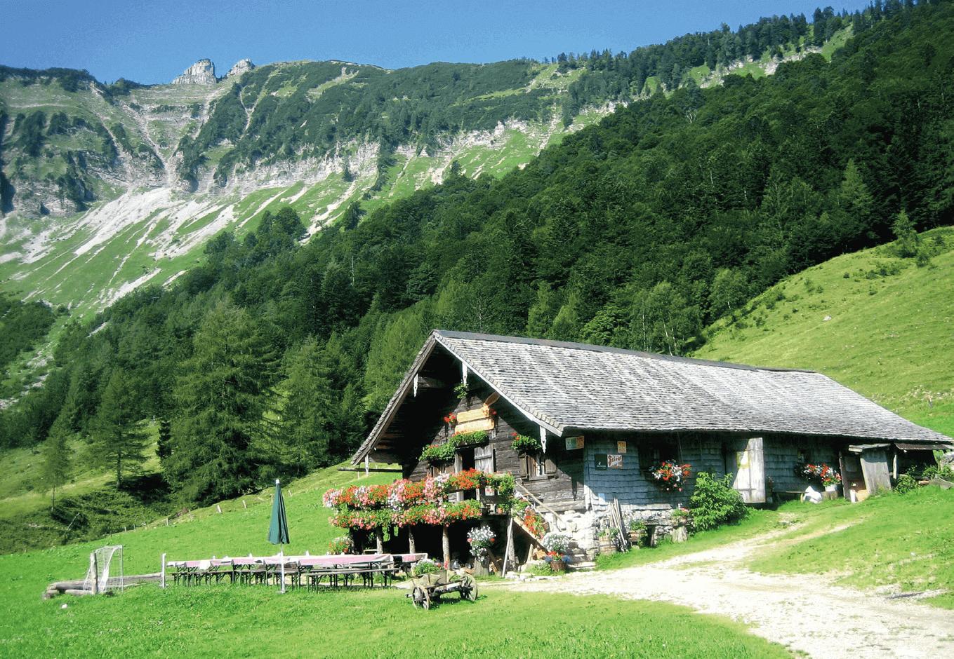 Die Mayerlehenhütte, auf der traumhaften Hochfläche vor Gennerhorn, Gruberhorn und Regenspitz