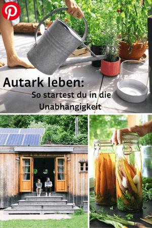 Pflanzen und Gießkanne am Balkon, autarkes Haus und fermentiertes Gemüse