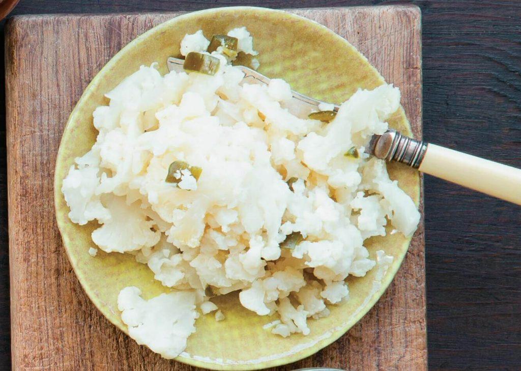 fermentierter Blumenkohl serviert